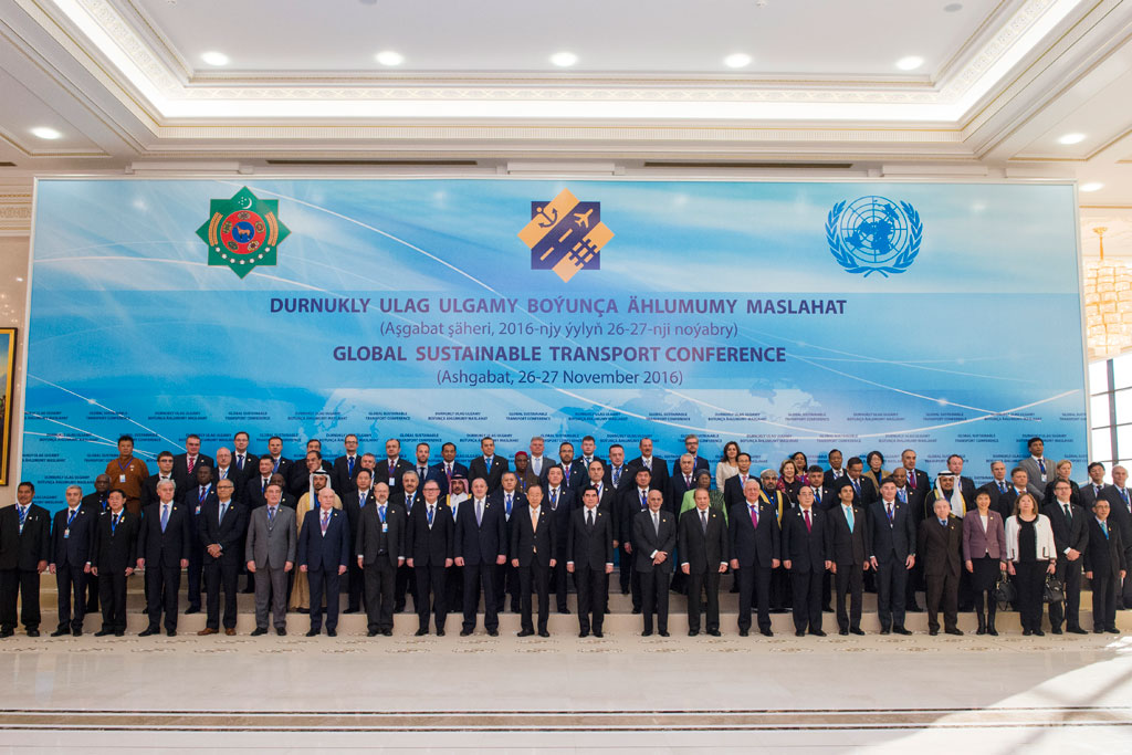Group photo with the participants of the Ashgabat United Nations Global Sustainable Transport Conference in Turkmenistan. UN Photo/Amanda Voisard