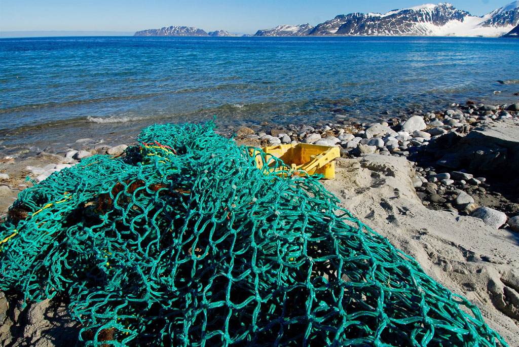 Marine waste, mainly fishing gear, being collected on the beaches of Northwest Spitsbergen, Norway. Photo: UNEP GRID Arendal/Peter Prokosch