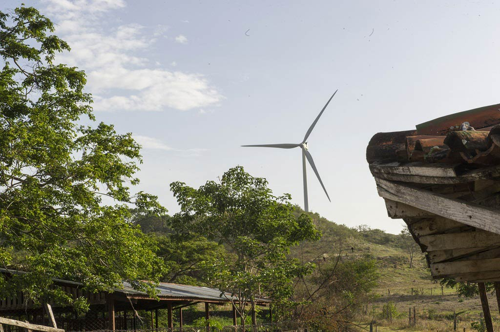 A wind mill at the Parque Eólico Camilo Ortega Saavedra wind farm in the Department of Rivas, Nicaragua. UN Photo/Mark Garten