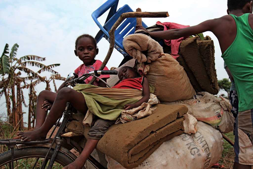 Hundreds of families have fled recently into Kananga, the capital of DRC's Kasai Central Province. The greater Kasai region has been hit by a conflict that erupted in August 2016. Photo: OCHA/Otto Bakano