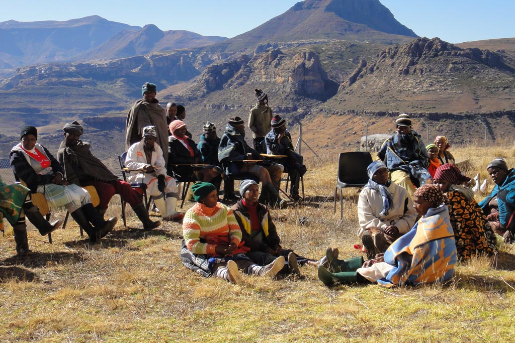 Women and men members from a local community in Lesotho participate in consultations to develop district plans to address climate change impacts and food insecurity. (file) Photo: FAO