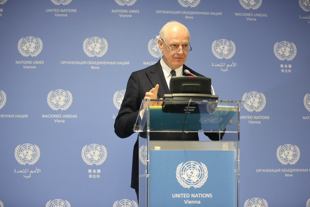 UN Special Envoy on Syria Staffan de Mistura speaking to reporters as Special Meeting on Syria wraps up at the UN in Vienna. Photo: Stanislav Jenis
